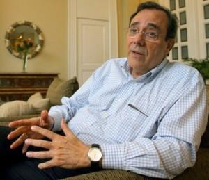 Carlos Alberto Montaner 300x259 GORDIANO LUPI INTERVISTA CARLOS ALBERTO MONTANER