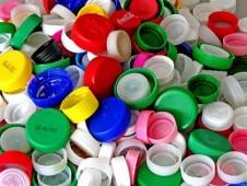 plastica 226x170 FELICITÀ DI PLASTICA