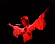 Duca Bowie compleanno 2 212x170 DAVID BOWIE, COMPLEANNO DA DUCA